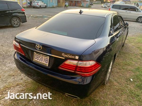 Toyota Crown 3,0L 2012-4