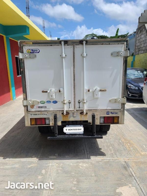 Isuzu Box Body Truck 3,5L 2012-6