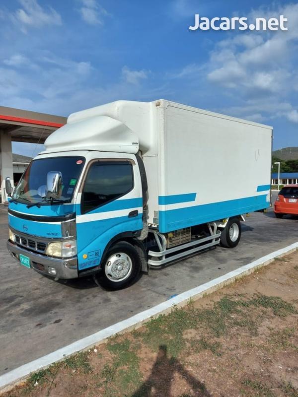 2005 Hino Truck-1
