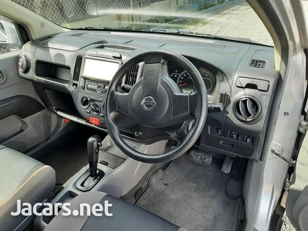 Nissan AD Wagon 1,8L 2016-3