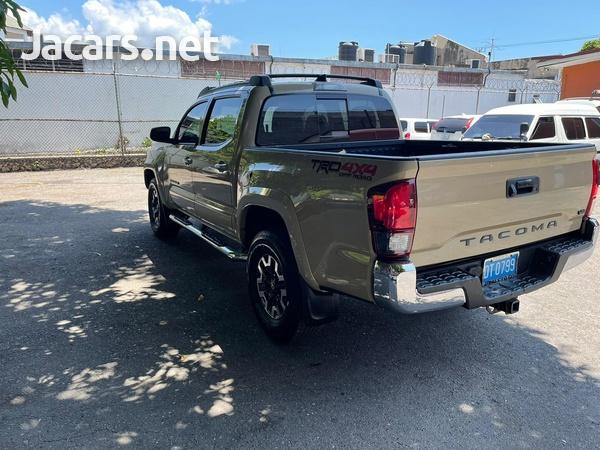 Toyota Tacoma 3,0L 2019-4