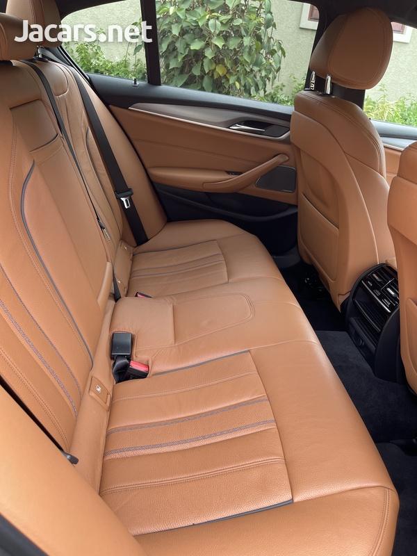 BMW 5-Series 3,0L 2017-9