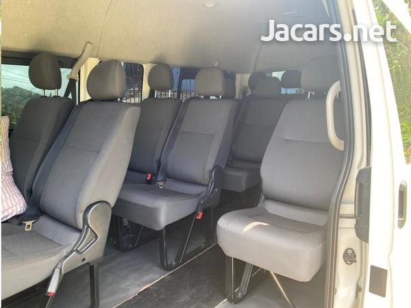 Toyota Hiace 2,2L 2014-4