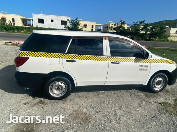 Nissan AD Wagon 1,5L 2014-4