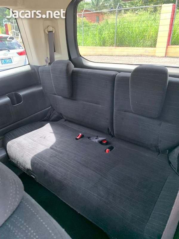 Honda Stepwgn 2,0L 2012-7