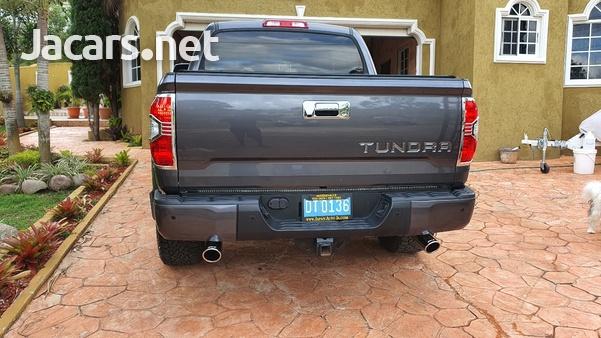 Toyota Tundra 5,7L 2018-13