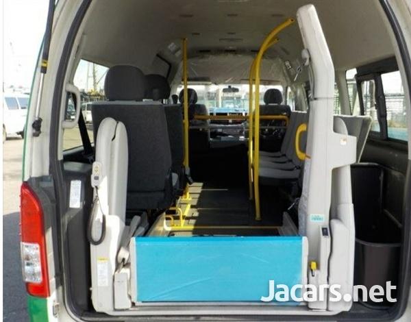 2015 Toyota Hiace Bus-4