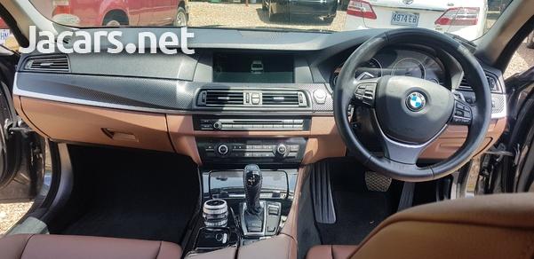 BMW 5-Series 3,0L 2013-12
