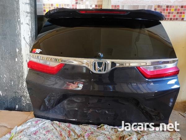 Honda crv 2018 tail gate and Honda crv bonnet-1