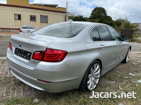 BMW 5-Series 3,0L 2011-4