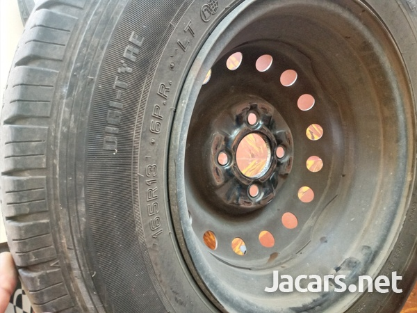 tyre and rim with lugs-5