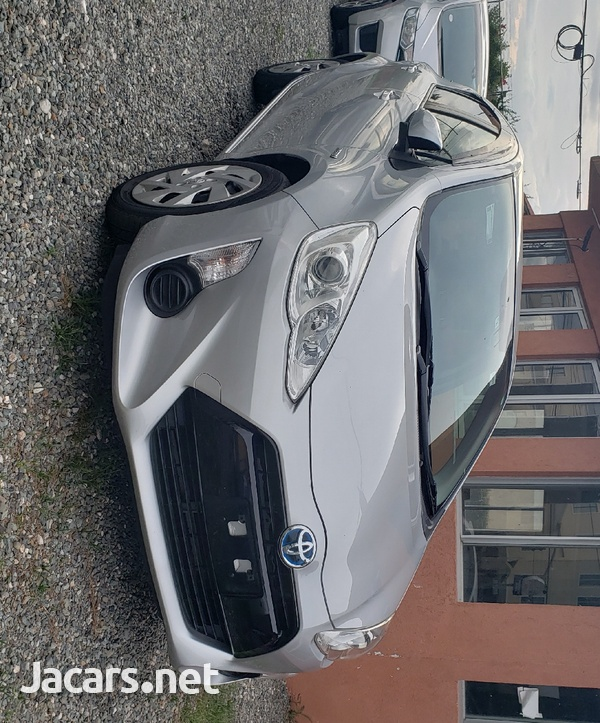 Toyota Aqua 1,5L 2016-8