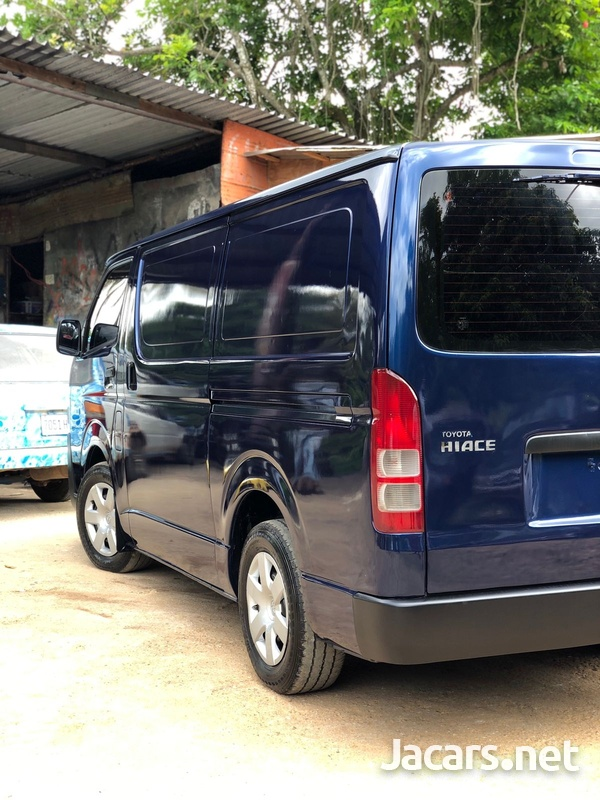 Toyota Hiace 2,4L 2014-9