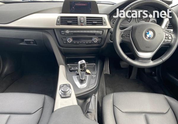 BMW 3-Series 2,0L 2014-5