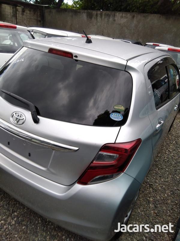 Toyota Vitz 1,3L 2016-7