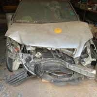Crashed Toyota Nadia 1,4L 2001
