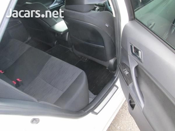 Toyota Mark X 2,0L 2010-6