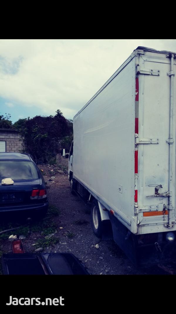 Isuzu Box Truck-4