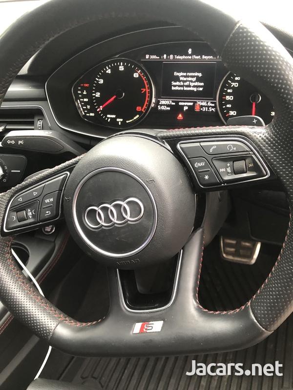 Audi A4 2,0L 2018-9