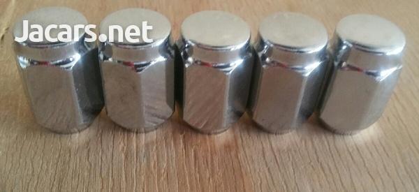 Wheel nuts Silver