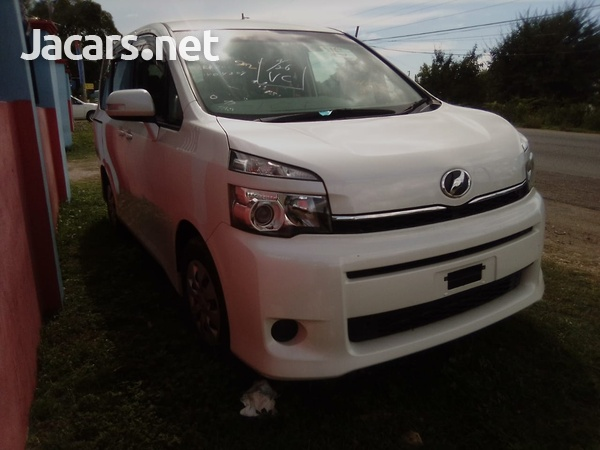 Toyota Voxy 1,8L 2011-3