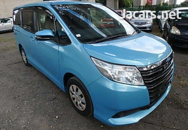 Toyota Noah 2,0L 2015-1