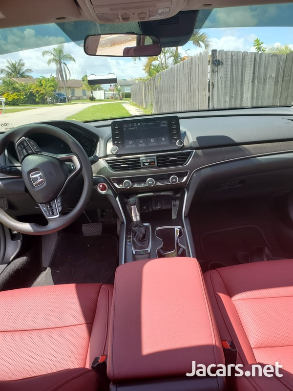 Honda Accord 1,5L 2019-7