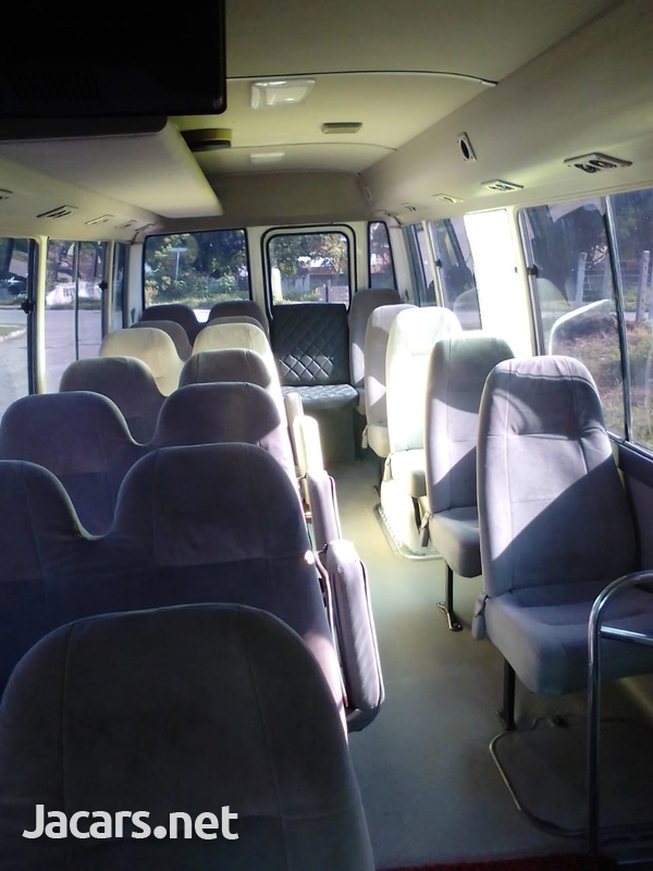 2013 Juta Toyota Coaster-5