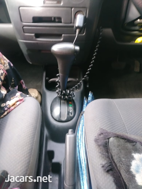 Toyota Probox 1,5L 2012-4