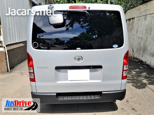 Toyota Hiace 2,0L 2014-5