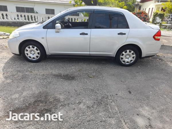 Nissan Tiida 1,5L 2012-8