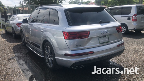 Audi Q7 3,0L 2018-4