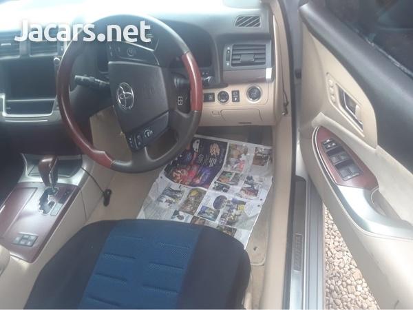 Toyota Crown 1,8L 2013-4