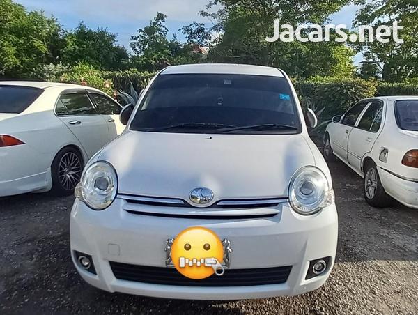 Toyota Sienta 1,5L 2014-2