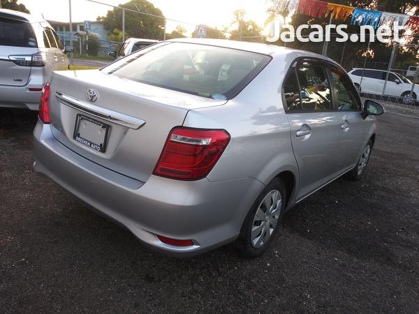 Toyota Axio 1,5L 2016-13