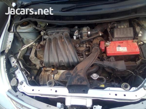 Nissan Tiida 1,3L 2009-8