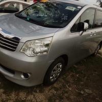 Toyota Noah 1,7L 2011