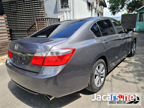 Honda Accord 2,4L 2013-6