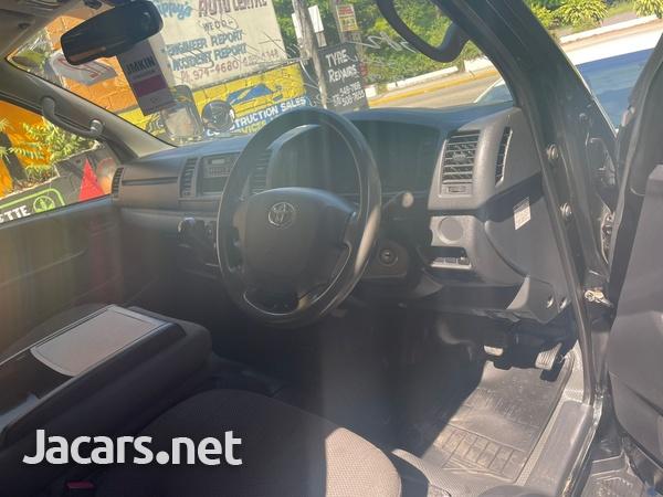 Toyota Hiace 2,5L 2016-3