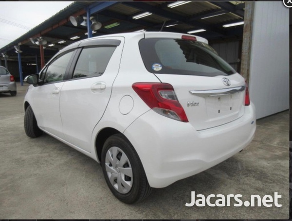 Toyota Vitz 1,3L 2015-3