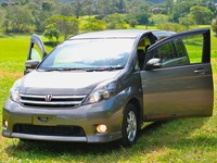 Toyota Isis 2,0L 2011