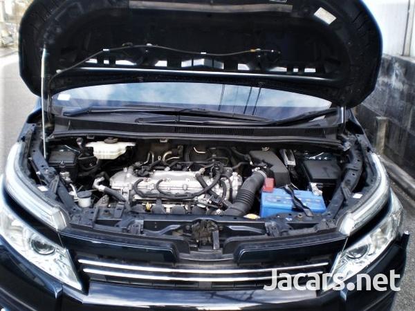 Toyota Voxy 2,0L 2015-15