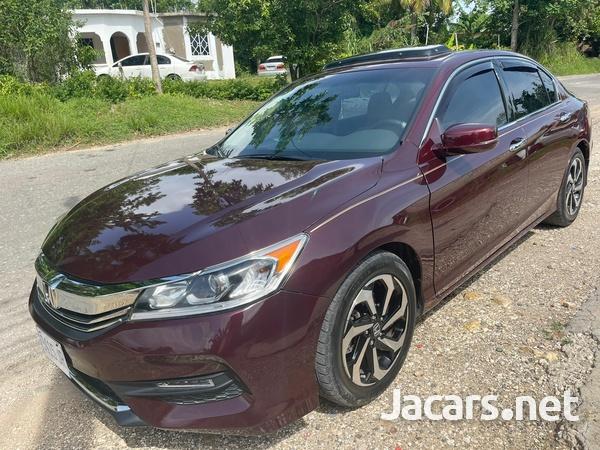 Honda Accord 0,6L 2017-3