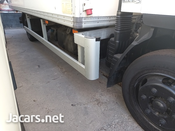 2011 Refrigerator Mitsubishi Canter Box Body Truck-8