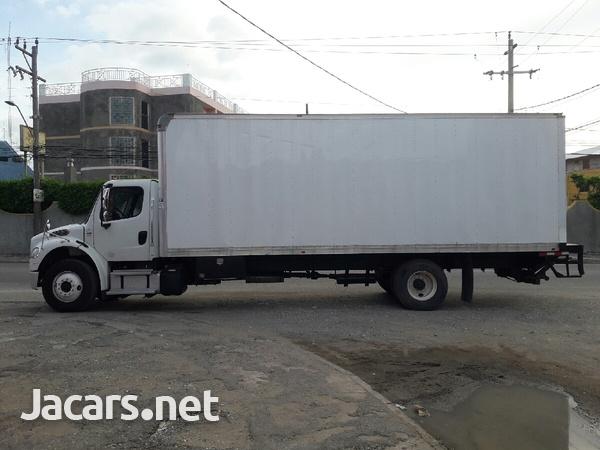 2014 Freightliner 12 tonne box Truck-3