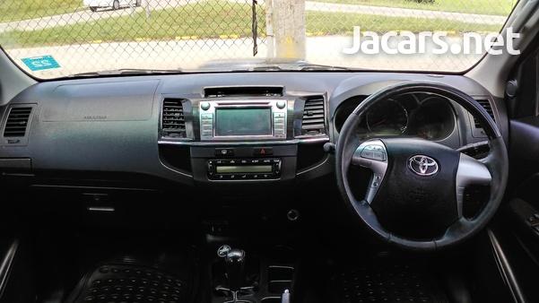Toyota Fortuner 2,7L 2014-5