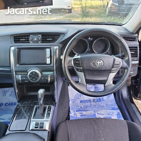 Toyota Mark X 2,4L 2011-7