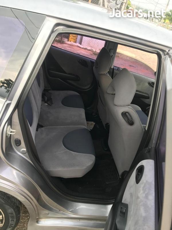 Honda Fit 1,3L 2003-6