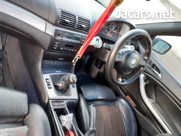 BMW 3-Series 2,4L 2002-6