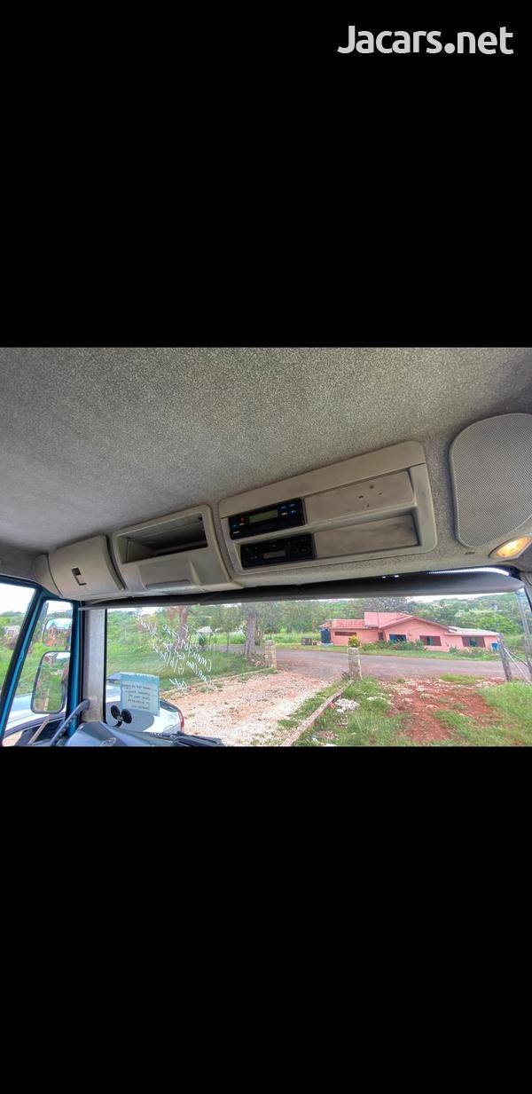 Tipper truck 7.5 tone-1